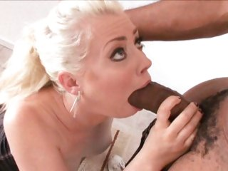 White bitch Lorelei Lee takes a juicy blackguardly cock added to thumps it close to her warm mouth