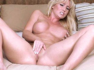 Pulchritudinous Blonde Wears Crestfallen Felonious Lingerie Painless She Masturbates